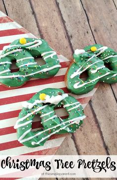 Get a sweet & salty fix this holiday season with these fun Christmas Tree pretzels! They're a fun Christmas snack idea to make with the kids! Winter Crafts For Toddlers, Christmas Crafts For Adults, Winter Activities For Kids, Cool Christmas Trees, Christmas Snacks, Christmas Activities, Christmas Traditions, Holiday Treats, Christmas Cookies