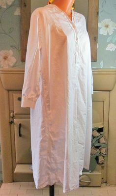 Vintage white Victorian style cotton nightgown nightshirt nightie XL/XXL R13454