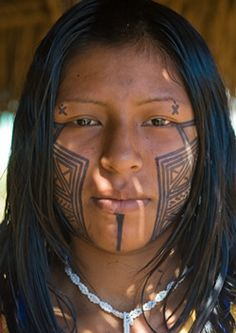 photo credit: Ngre'ok Kayapo Tribes Alive Indigenous People WorldWide: Standing Up For Their Rights Native American Women, American Indians, We Are The World, People Around The World, Beautiful World, Beautiful People, Tribal People, World Cultures, Interesting Faces
