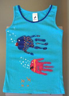 Camiseta pintada a mano. Hecha por Inés y cdalia. Handpainting t-shirt.