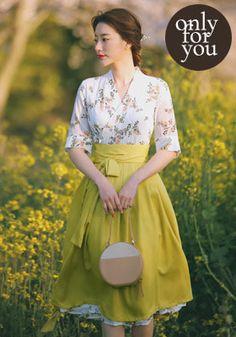 Korean Fashion Dress, Japanese Fashion, Asian Fashion, Fashion Dresses, Korean Traditional Dress, Traditional Dresses, Modern Hanbok, Baby Clothes Patterns, Hanfu