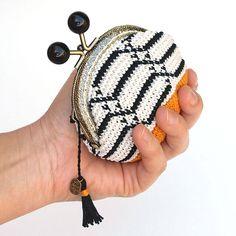 Monedero tapestry crochet, monedero de ganchillo hecho a mano, monedero de boquilla motivos con geométricos, monedero elegante para mujer de Basimaker en Etsy