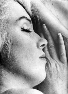 Marilyn: a woman just like the rest of us, love seeing the freckles...