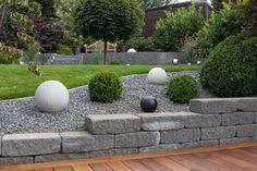 Steingärten Steine und Steingartenpflanzen – Eine besondere Kombination! Steine strahlen Natürlichkeit aus und haben eine besondere Schönheit. Wann immer möglich, sollten Sie sich idealerweise für Steine aus Ihrer Region entscheiden,.. weiterlesen