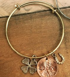Expandable bracelet, Lucky Penny with 4 Leaf Clover and Tiny Horseshoe