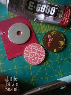 another great tutorial on washer jewelry.scrapbook paper, glue, nail file, Diamond Glaze (available at WalMart) Metal Jewelry, Beaded Jewelry, Silver Jewelry, Jewelry Necklaces, Necklace Ideas, Amber Jewelry, Leather Jewelry, Glass Jewelry, Jewelry Crafts