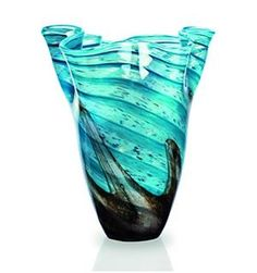 Newgrange Living - Vase - Beautiful glass vase from Orchards.