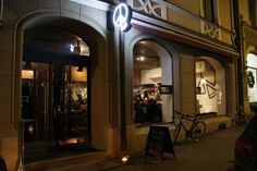 Viiniä ja Ruokaa & Elämää vieraili Helsingin uusimman pizzerian Piece 'N' Loven avajaisissa perjantaina 4.12. Viime viikolla Uudenmaankadulle, entisen ravintola Raflan tiloihin auen…