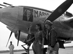 Fighter pilot Richard Ira Bong and his wife, Marge Sieland, pose on an airstrip next to Bong's P-38 Lightning (also named Marge) in Minnesota during a publicity tour. Taken by a Minneapolis newspaper photographer on June 12, 1944. Tragically Bong died in 1945 when the fuel pump of the plane he was flying malfunctioned. #vintage #1940s #WW2