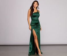 Flowing to fitted long dresses in glitter to velvet from Windsor are perfect for sping! Mermaid to trumpet dresses, ball gowns to formal dresses to explore! Olive Prom Dresses, Satin Dresses, Strapless Dress Formal, Bridesmaid Dresses, Formal Dresses, Long Dresses, Leavers Ball Dresses, Long Satin Dress, Party Dresses