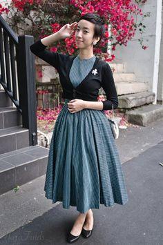 NoraFinds   Vintage Fashion Blogger Sydney   Jonathan Logan 1950s dress   Sarah…