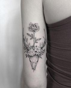 Crânio de veado floral por Marabou