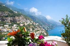Bed & Breakfast i Positano, Italia. Located in Positano , 1 km from the sandy beaches , the B&B Le Ninfee di Positano offers rooms with sea views , and the daily breakfast of sweet products . All rooms are air conditioned and equipped with TV and balcony, Apartments also have a kitc...