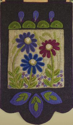 """HAND DYED RUG HOOKING WOOL Mill-Dyed APPLIQUE /""""HO HO HO /"""""""