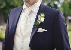 Photo by Nadine Frech of May 05 for Wedding Photographer's Contest Mens Summer Wedding Suits, Indian Wedding Suits Men, Casual Wedding Suit, Black Tuxedo Wedding, Grey Purple Wedding, Vintage Wedding Suits, White Wedding Suit, Rustic Wedding Suit, Best Groom Suits