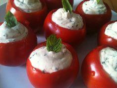 Ricette estive per preparare un menù veloce e colorato. Ricette semplici con melone, prosciutto, formaggio fresco, rucola, fragole e spinaci