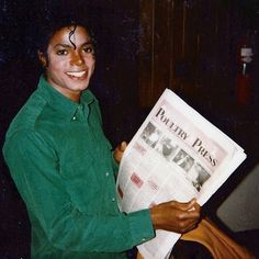 You can quite clearly see that he has vitiligo in this photo! | Curiosities and Facts about Michael Jackson ღ by ⊰@carlamartinsmj⊱
