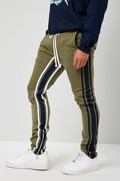 Jogger Pants Outfit, Mens Jogger Pants, Sports Trousers, Gym Outfit Men, Swag Outfits Men, Sport Outfits, Funky Pants, Gents Kurta, Men's T Shirts