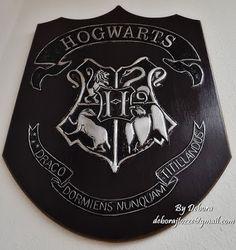 Brasão Harry Potter by Debora J. Tozze Artes - Latonagem