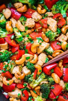 Easy Honey Thai Cashew Chicken. Easy, healthy, and delicious! Recipe at wellplated.com   @wellplated