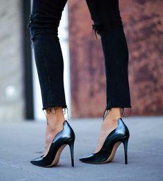 { via Fashionedchicstyle- one killer black heel } @dallasshaw