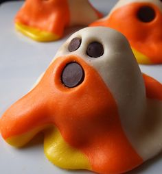 Ghostly Candy Corn Cakes!