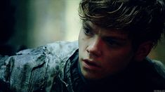 Thomas Brodie-Sangster - BLOG❀GIFS