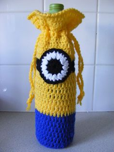 Pattern to Crochet a Minion Inspired Wine Bottle Cover. Great Party Gift! by Erm12011 on Etsy