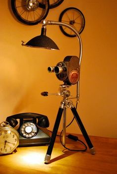 Vintage Bell and Howell movie camera Desk light Más Desk Light, Lamp Light, Light Fixture, Recycled Lamp, Repurposed, Desk Lamp, Table Lamp, Decoration Photo, Steampunk Lamp