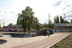 Skatepark am Gleisdreieck #Berlin http://berlin.sehenswuerdigkeiten-online.de/aktivitaeten/park-see/park-gleisdreieck.html