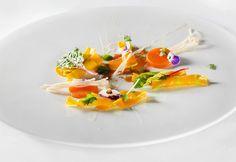 Salvatore Bianco | Caramelle di pasta con Provolone del Monaco, zucca piccante, midollo di chianina e funghi enoki | Ristorante Il Comandante - Romeo Hotel Napoli