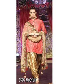 Hindi Events Vikram Phadnis Bridal Collection Fashion Show Photo gallery Punjabi Girls, Punjabi Dress, Pakistani Dresses, Indian Dresses, Punjabi Bride, Pakistani Suits, Indian Clothes, Indian Suits, Indian Attire