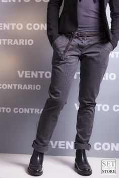 Pantalone e scarpa