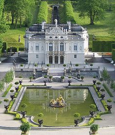 Adorable View Image Of The Linderhof Palace In Bavaria, Germany Beautiful Buildings, Beautiful Places, Beautiful Homes, Places To See, Places Ive Been, Linderhof Palace, Tourist Info, Villa, Germany Castles