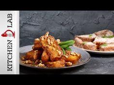 Αβγόφετες (French Toast) από τον Άκη Πετρετζίκη. Το κλασικό αγαπημένο γαλλικό φρυγανισμένο ψωμί για το καλύτερο brunch ή πρωινό. Σερβίρετε με μέλι και καρύδια! Greek Cooking, Chicken Wings, Food To Make, Make It Simple, Casserole, French Toast, Good Food, Lunch, Snacks