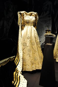 Princess Margaret's outfit for her sister's coronation