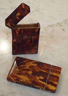 kathryn crisp greeley north carolina interior designer and author of the collected tabletop presents tortoise shell antique boxes Antique Fans, Antique Boxes, Vintage Antiques, North Carolina, Antiques Roadshow, Textile Texture, Calling Cards, Displaying Collections, Casket