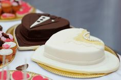 Photo about Bride and groom cakes made of white and milk chocolate. Image of dessert, cupcakes, delicious - 40609993 How To Make Wedding Cake, Diy Wedding Cake, Wedding Cake Designs, How To Make Cake, Wedding Ideas, Buttercream Cake, Fondant Cakes, Yolo, Single Tier Cake