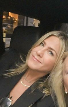 Jennifer Aniston Pictures, Jenifer Aniston, Along Came Polly, Friends Series, Sherman Oaks, Rachel Green, Celebs, Celebrities, Beach Fun