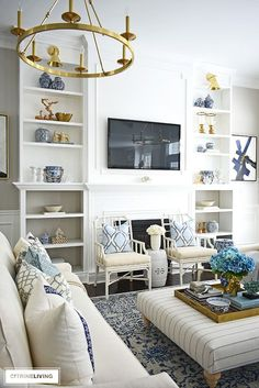 Home Decoration Vintage Styling shelves can be tricky! How to decorate bookshelves with simple ideas that you can use to create a gorgeous spring-styled space! Fall Living Room, Living Room Decor, Living Rooms, E Design, Interior Design, Decorating Bookshelves, How To Decorate Bookshelves, Ikea, Shelves In Bedroom