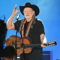 Willie Nelson celebrates his 80th with new album | Entertainment News