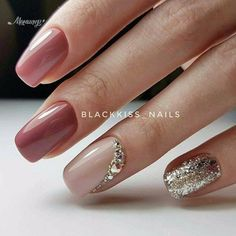 You should stay updated with latest nail art designs, nail colors, acrylic nails, coffin… - coffin New Nail Designs, Round Nails, Manicure E Pedicure, Glitter Manicure, Elegant Nails, Classy Nails, Chrome Nails, Super Nails, Stiletto Nails