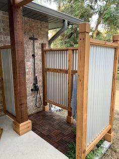 Outdoor Bathrooms, Outdoor Rooms, Outdoor Living, Outdoor Shower Enclosure, Outdoor Pool Shower, Outside Showers, Outdoor Toilet, Backyard Patio Designs, Vegetable Gardening