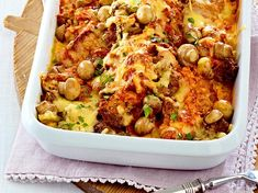 Our popular recipe for Feiner Schnitzel-Hack casserole and more than other free recipes at LECKER. Vegetable Stew, Vegetable Recipes, Beef Recipes, Casserole Dishes, Casserole Recipes, Schnitzel Pizza, Mince Dishes, Cabbage Stew, How To Cook Beef