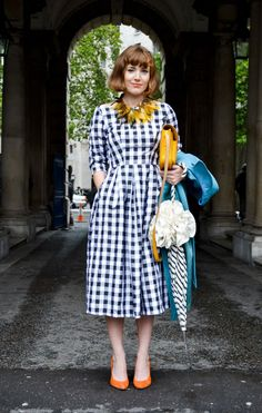 black and white gingham dress, vintage style. Mustard and turquoise accessories. Chic!