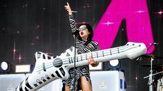 Charli XCX - Famous (Radio 1's Big Weekend 2015)