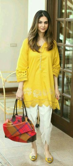 31 Fabulous Spring Outfits To Wear This Season, 31 Fabulous Spring Outfits To Wear This Season Pakistani Fashion Casual, Pakistani Dresses Casual, Pakistani Dress Design, Indian Fashion, Stylish Dress Designs, Designs For Dresses, Stylish Dresses, Casual Dresses, Stylish Kurtis Design
