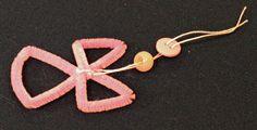 Easy Angel Crafts Wire Cross Angel Step 13 thread yarn through button