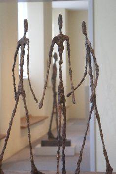 Alberto Giacometti Sculpture -- first time i saw one in person i was in AWE! Alberto Giacometti, Sculptures Céramiques, Art Sculpture, Modern Sculpture, Inspiration Artistique, Wire Art, Oeuvre D'art, Figurative Art, Art Forms