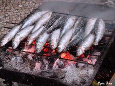 Viver a vida em Portugal: A típica sardinha assada